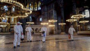 images 5 Mendamba Salat di Hagia Sophia, Menghadap Dua Kiblat